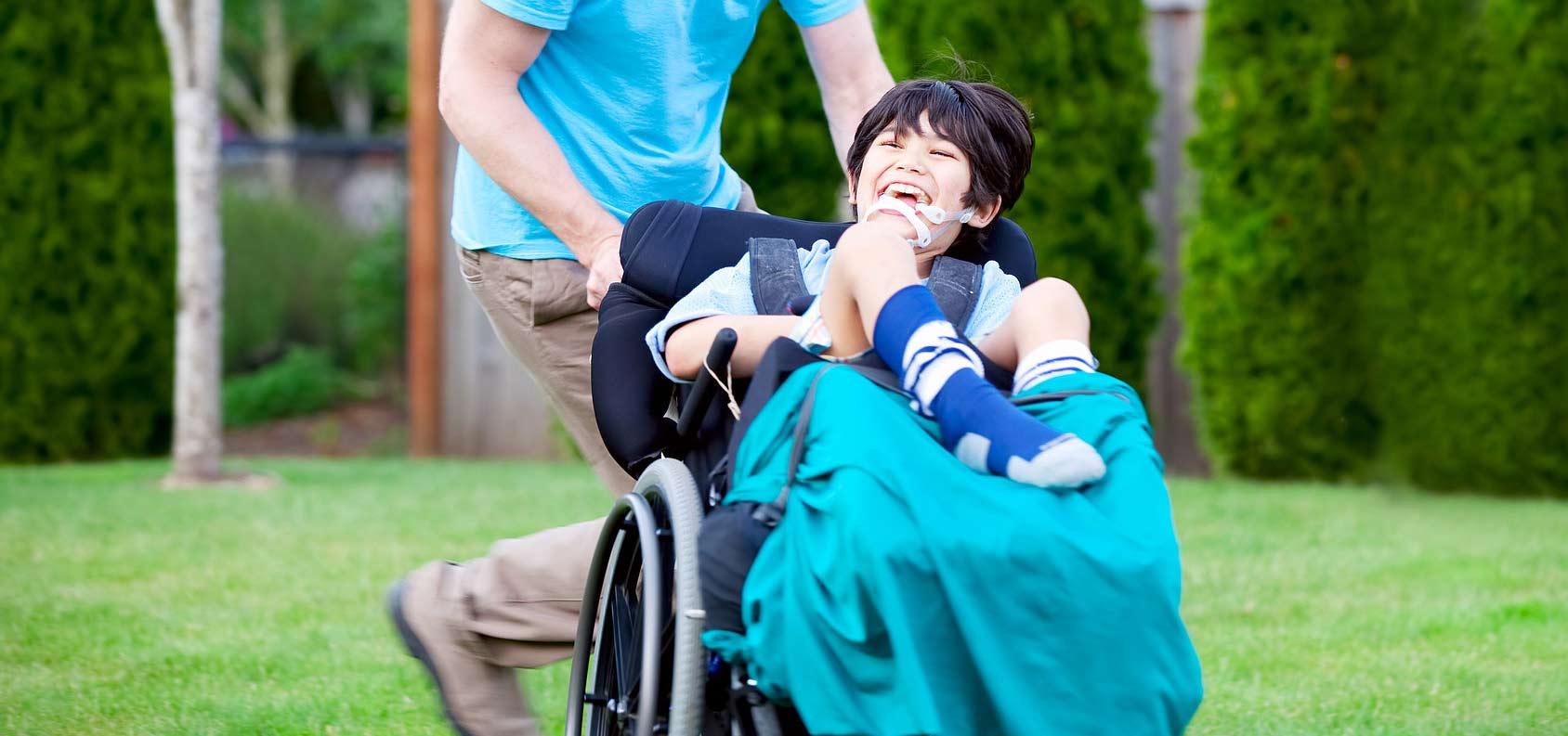 manovre di disostruzione pediatrica nei bambini su sedia a